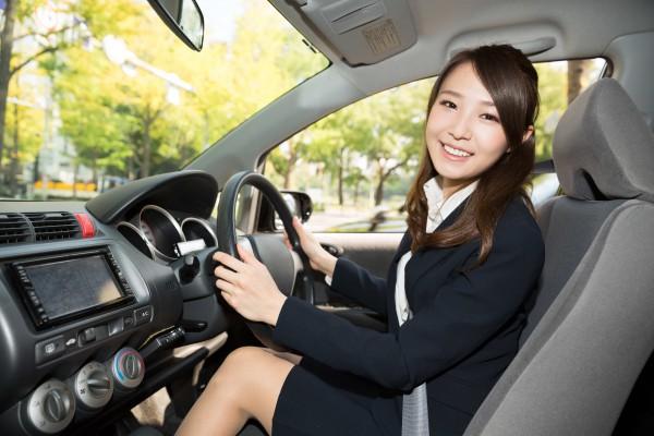 女性運転手